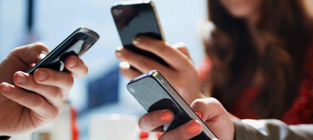 EMF mobilstrålningens hälsorisker aggressiv hjärntumör felaktig forskning Internationella experter
