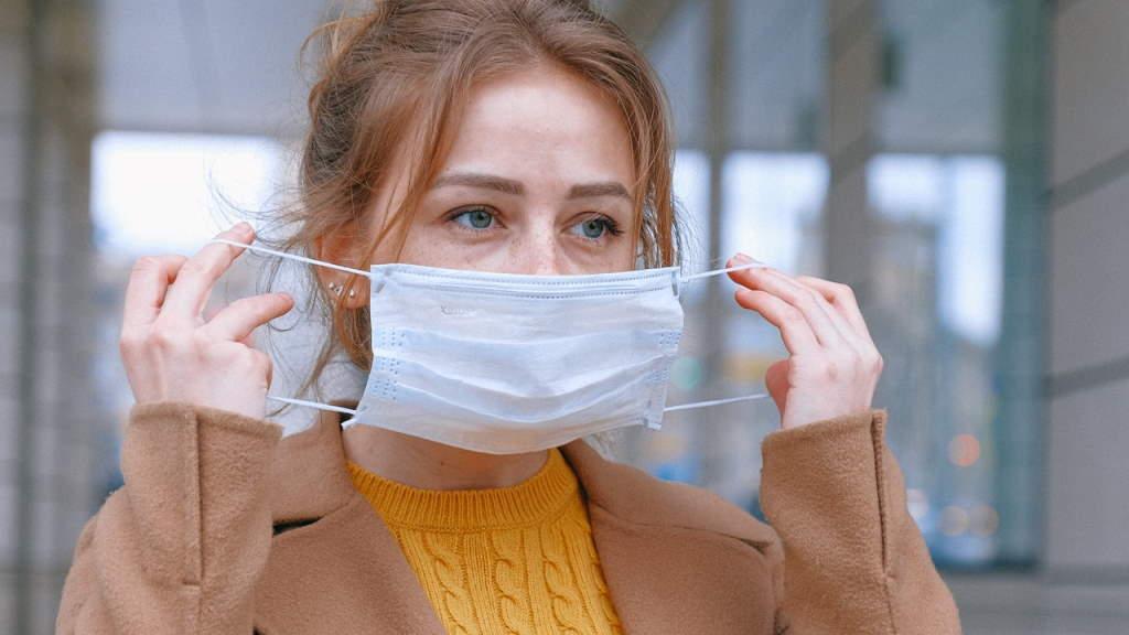 ansiktsmask aerosoliserar Munskyddstvång sprider sig i Tyskland belgiska läkare Brittiska regeringens munskydd mot virus